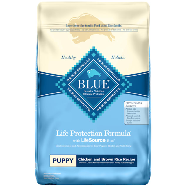 Blue Buffalo Life Protection Formula Natural Puppy Chicken and Brown Rice Dry Dog Food, 30 lbs. - Carousel image #1