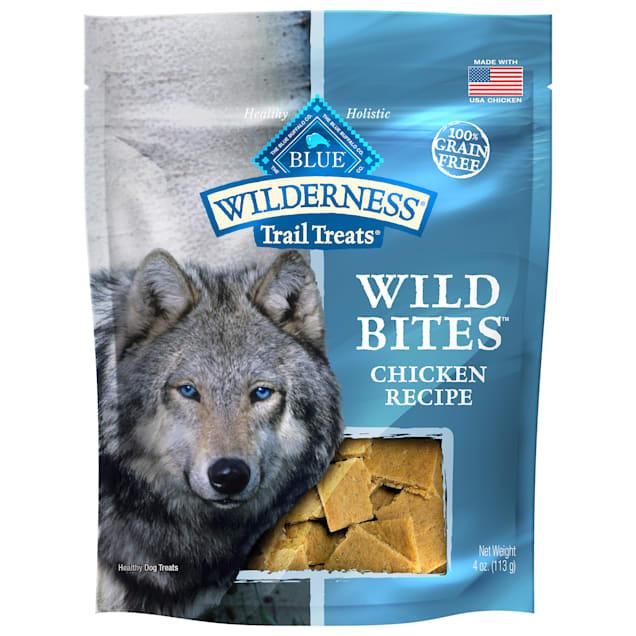 Blue Buffalo Blue Wilderness Trail Treats Chicken Wild Bites Dog Treats, 4 oz. - Carousel image #1