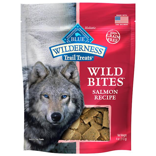 Blue Buffalo Blue Wilderness Trail Treats Salmon Wild Bites Dog Treats, 4 oz. - Carousel image #1