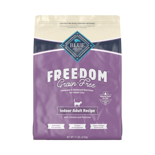 Blue Buffalo Blue Freedom Grain-Free Adult Indoor Chicken Recipe Dry Cat Food, 11 lbs. - Carousel image #1