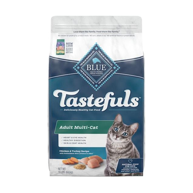 Blue Buffalo Blue Multi-Cat Health Adult Chicken & Turkey Recipe Dry Cat Food, 15 lbs. - Carousel image #1