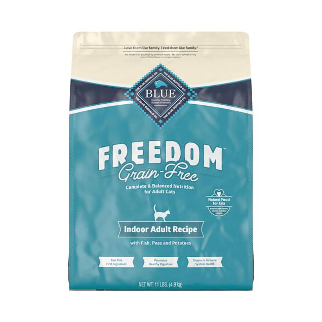 Blue Buffalo Blue Freedom Grain-Free Adult Indoor Fish Recipe Dry Cat Food, 11 lbs. - Carousel image #1