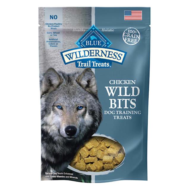Blue Buffalo Blue Wilderness Trail Treats Chicken Wild Bits Dog Treats, 4 oz. - Carousel image #1