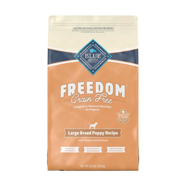 Blue Buffalo Blue Freedom Grain Free Chicken Recipe Large Breed Puppy Food, 24 lbs. - Carousel image #1