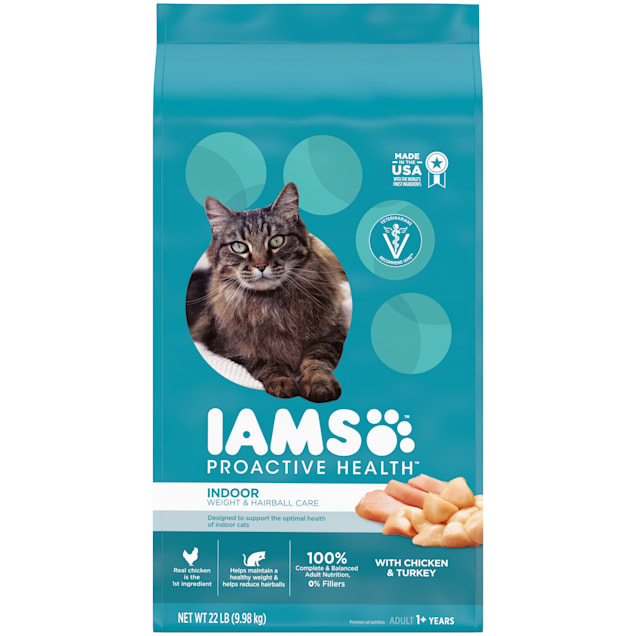 Iams ProActive Health Indoor Weight Control & Hairball Care Chicken & Turkey Adult Dry Cat Food, 22 lbs. - Carousel image #1