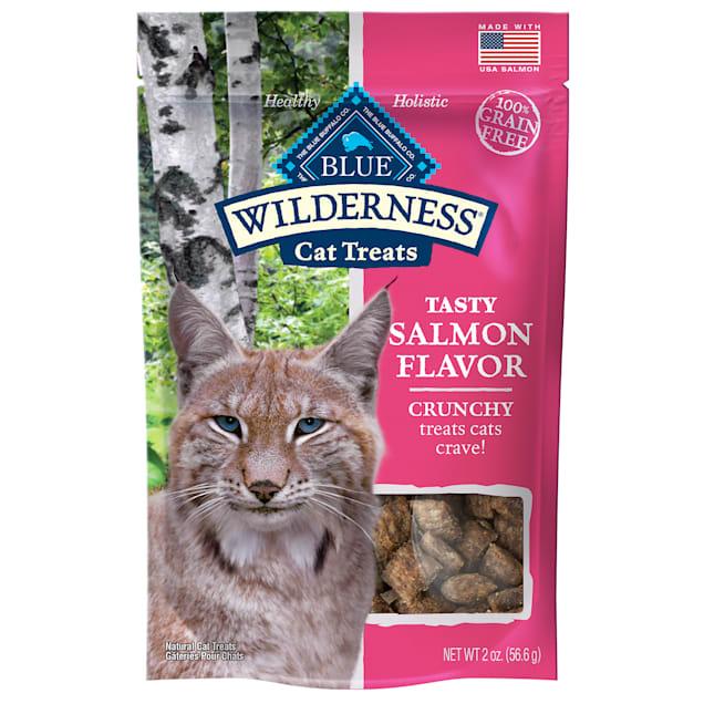 Blue Buffalo Blue Wilderness Salmon Flavor Crunchy Cat Treats, 2 oz. - Carousel image #1