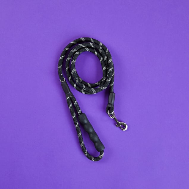 Good2Go Reflective Braided Rope Leash in Black, 6 ft. - Carousel image #1