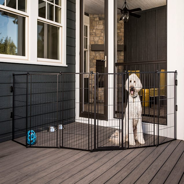 """Carlson Pet Products Weatherproof Outdoor Super Gate, 144"""" L X 2"""" W X 28"""" H - Carousel image #1"""