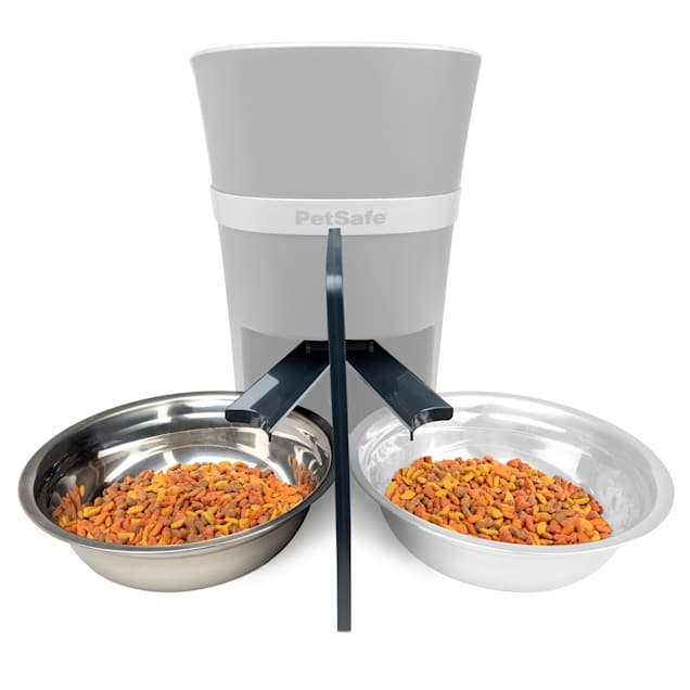 PetSafe 2-Pet Meal Splitter with Bowl for Dogs - Carousel image #1