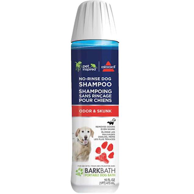 Bissell Odor & Skunk No-Rinse Dog Shampoo, 16 fl. oz. - Carousel image #1
