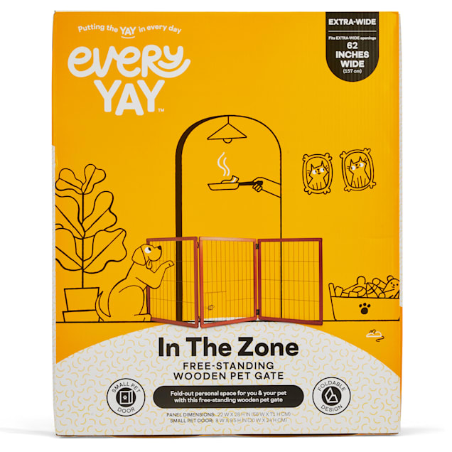 """EveryYay In The Zone Free-Standing Wooden Pet Gate, 22"""" W X 28"""" H - Carousel image #1"""