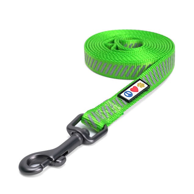 Pawtitas Green Reflective Traffic Dog Leash - Carousel image #1