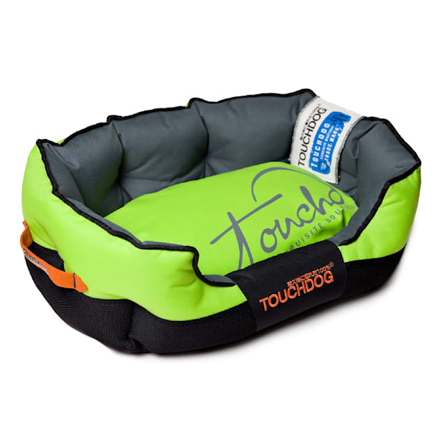 """Touchdog Green Performance-Max Sporty Comfort Cushioned Dog Bed, 25.6"""" L X 15.7"""" W - Carousel image #1"""