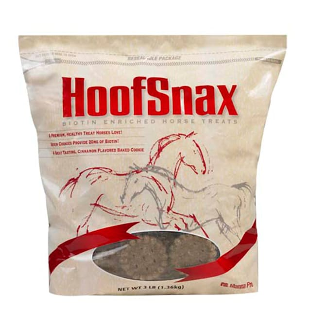 Manna Pro Hoof Snax Horse Treats Made with Biotin, 20.8 oz. - Carousel image #1