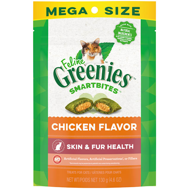 Feline Greenies Smartbites Chicken Flavor Skin & Fur, Crunchy and Soft Natural Cat Treats, 4.6 oz. - Carousel image #1