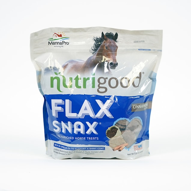 Manna Pro Nutrigood Flax Snax Horse Treats Enriched with Biotin, 3.2 lbs. - Carousel image #1
