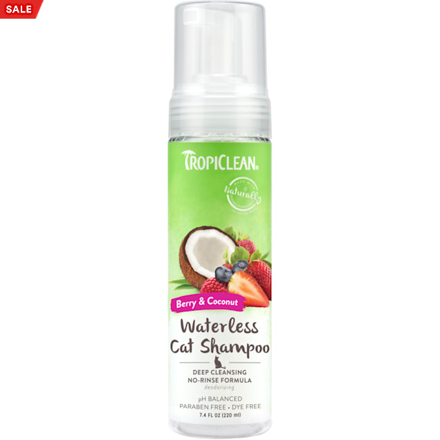TropiClean Berry & Coconut Deep Cleansing Waterless Shampoo for Cats, 7.4 fl. oz. - Carousel image #1