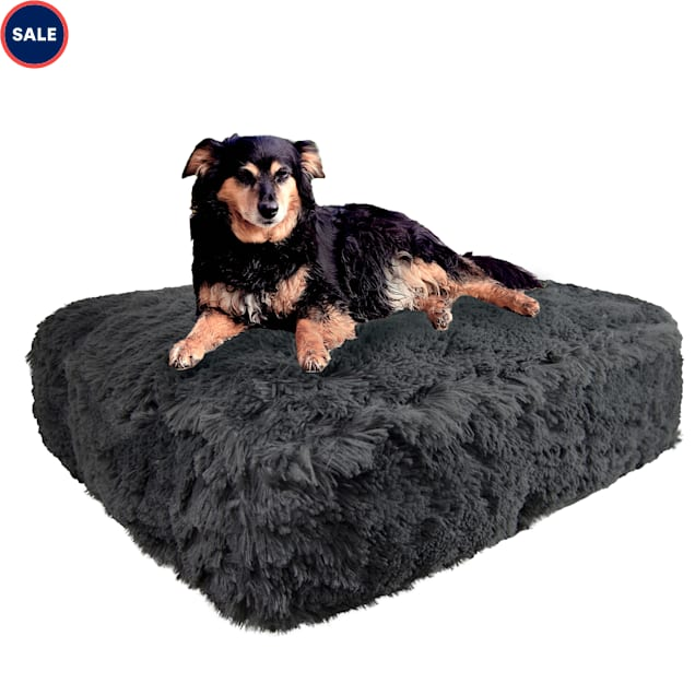 """Bessie and Barnie Wolfhound Gray Luxury Extra Plush Faux Fur Rectangle Dog Bed, 28"""" L X 24"""" W - Carousel image #1"""