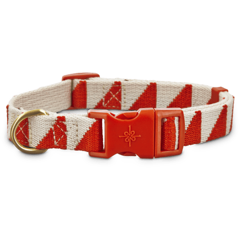 Good2Go Geometric Triangle Dog Collar in Red and Cream