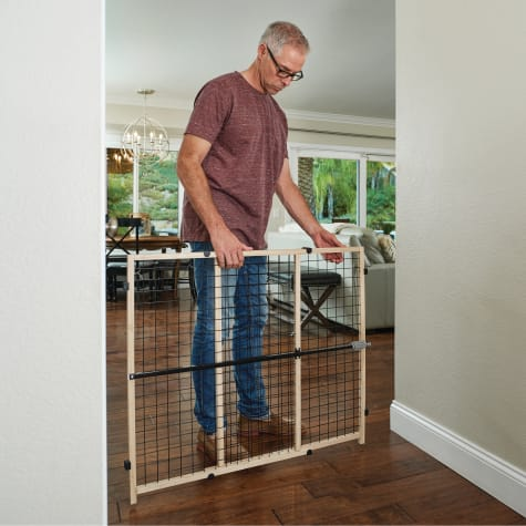 You & Me Easy-Fit Wooden Expandable Pet Gate