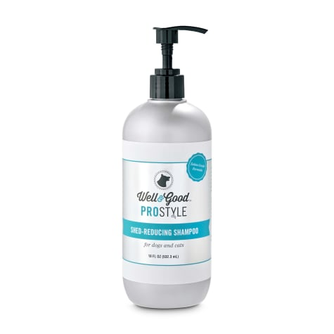 Well & Good ProStyle Shed-Reducing Cat and Dog Shampoo