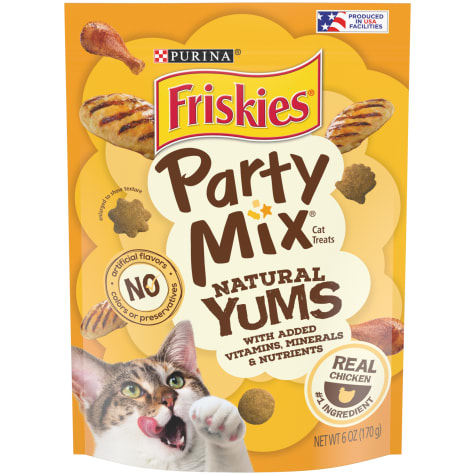 Friskies Party Mix Natural Yums With Real Chicken Cat Treats