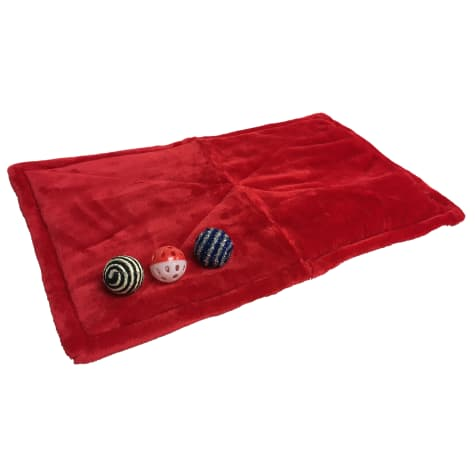 Coleman Red Warming Mat with Toys for Cats