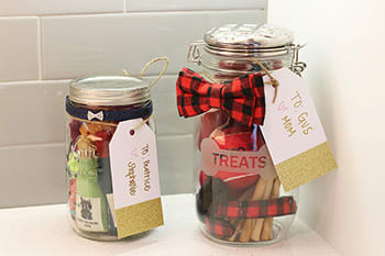 pet gifts in a jar image